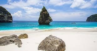 Pantai Suwehan -Obyek Wisata Nusa Penida Populer